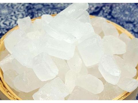同样是冰糖,白色和黄色有什么区别?很多人竟不知,别再瞎买了!