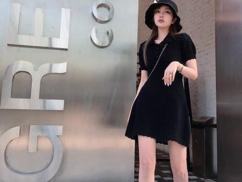 周扬青真敢穿,一袭黑色波点抹胸超短裙,穿出网红夜店风
