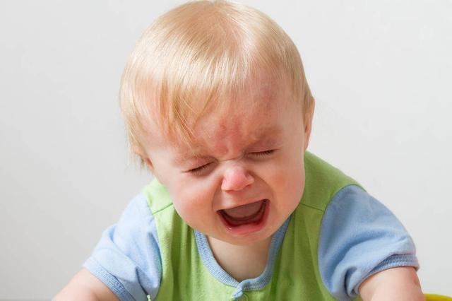 宝宝哭闹怎么办?