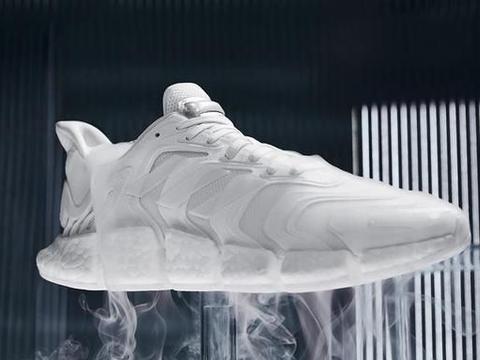 精致小白鞋+毛毛虫中底!adidas清风新成员有点香