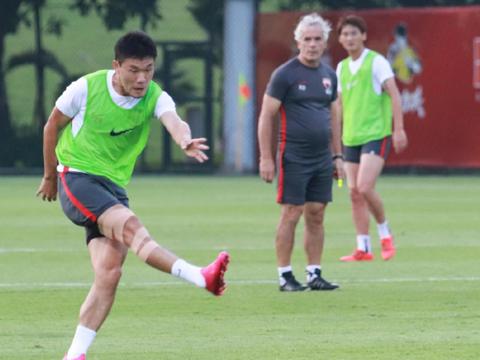 深圳佳兆业俱乐部提前向天津天海俱乐部付清郑达伦与裴帅的转会费