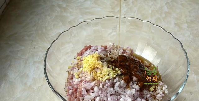 天热时最爱的土豆吃法,鲜香嫩滑,少油健康,三天不吃准馋