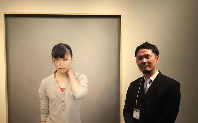 日本画家一幅落水少女画,比冷军画的还牛,放大20倍,更为真实