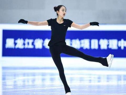 放弃美国籍!2年前加入中国滑冰队,18岁成冬奥会夺金热门