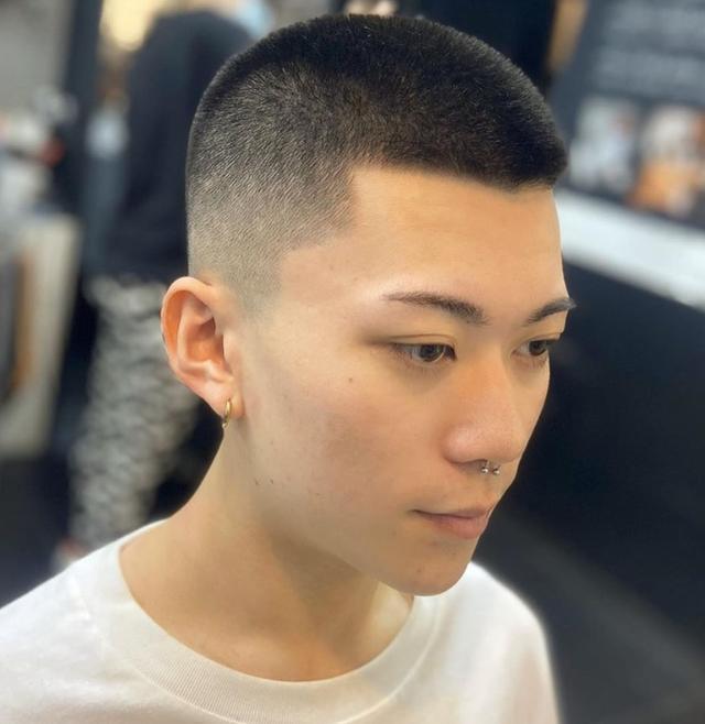 """男生""""寸头""""发型过时了?夏天剪这8款发型,清爽干净,潮流痞帅"""