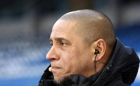 卡洛斯:南非世界杯的巴西队队长是卢西奥,因卡卡与邓加已有矛盾