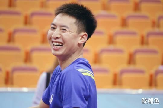 """国乒世界冠军已跌落""""凡尘"""",沦为尴尬替补,27岁的他在坚持什么"""