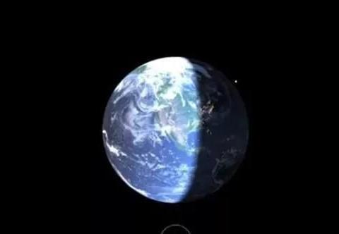 人类在太空制造了4500吨垃圾,人造卫星不会撞到吗?