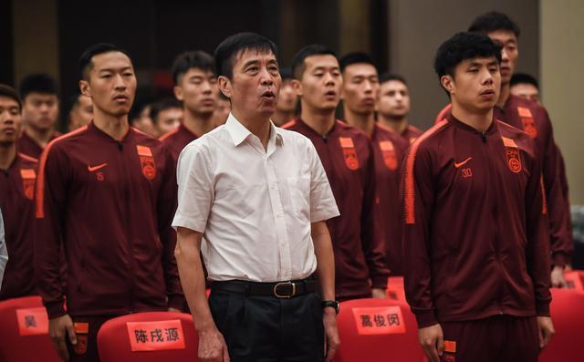 混淆视听!中国足球青训无能,只好用无血缘归化球员掩盖