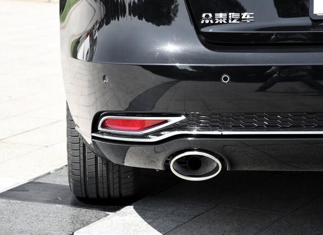 """被车标""""耽搁""""的实力豪车!颜值媲美大众辉昂,长超5米+1.8AT"""