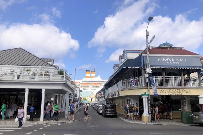 环游加勒比(5)拿骚的海湾街