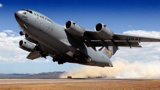 一架美军运输机闯入俄罗斯,数架苏27升空护航,蓬佩奥:合作典范
