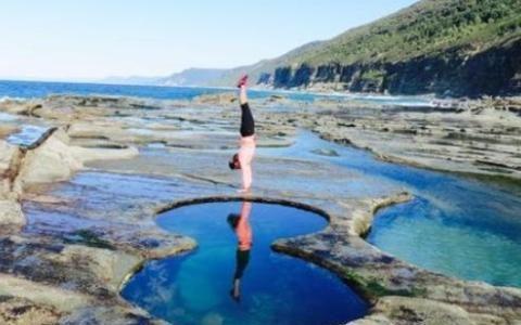 世界最危险的水潭,仅几米宽却连接大海,但要格外注意安全!