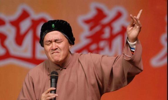 当红时期与恩师赵本山传出绯闻的孟真,33岁的她现状如何?