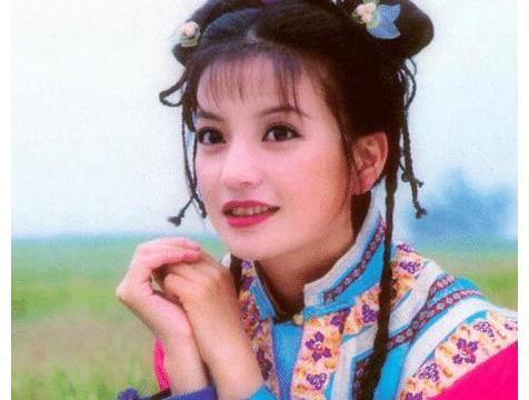 赵薇为何抛弃同窗三年身价120亿小伙,嫁二婚带娃的黄有龙?