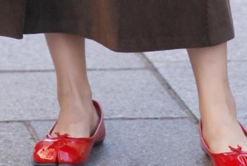 丑萌丑萌的猪蹄分趾鞋又翻红了,看久了竟然觉得还挺好看的