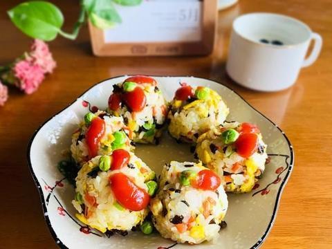 五月豌豆正当季,儿童常吃益处多,做成日式香饭团