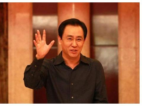 74岁的中国首善,主动退掉美国绿卡,累计在华捐款超过110亿