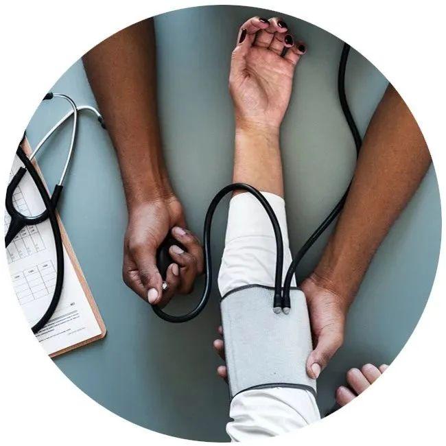 每天这个时间测血压更准确!吃降压药常犯的5个错误,心衰、尿毒症风险升高!