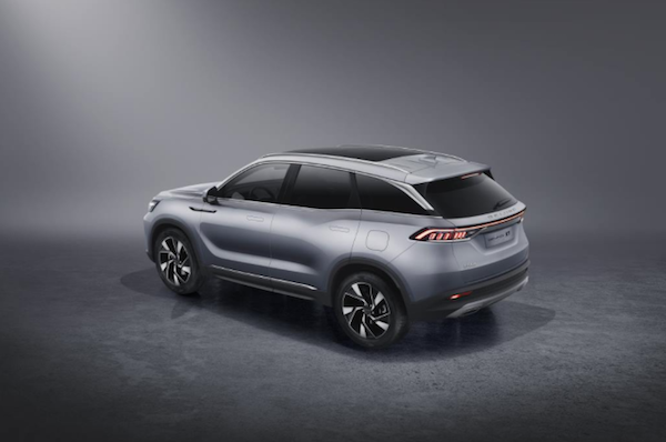 又一款极具科技感的新车型 BEIJING-X7亮相 预售价10-15万元