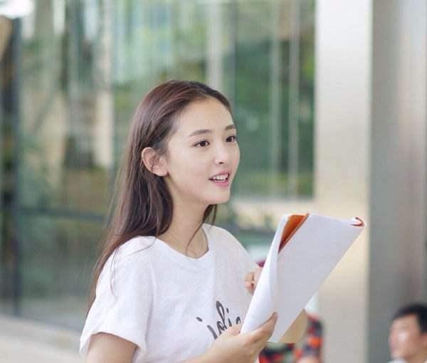 佛系心态的明星,吕一低调16年主动参加综艺节目,高圆圆又怀孕?
