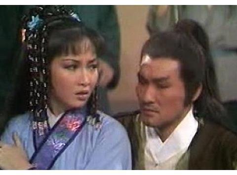 与徐少强同年扮演乔峰,时隔7年给周星驰当配角,现在混成这样