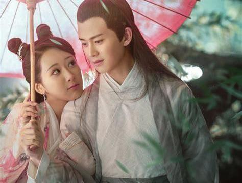 同样是撑伞,赵雅芝最经典,赵丽颖最霸气,刘亦菲姿势无人可模仿