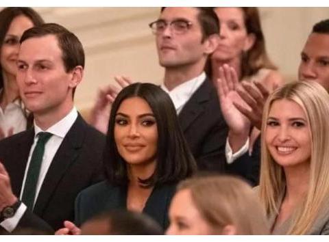 卡戴珊穿西装,与特朗普握手,眼神就像莱温斯基首次见克林顿
