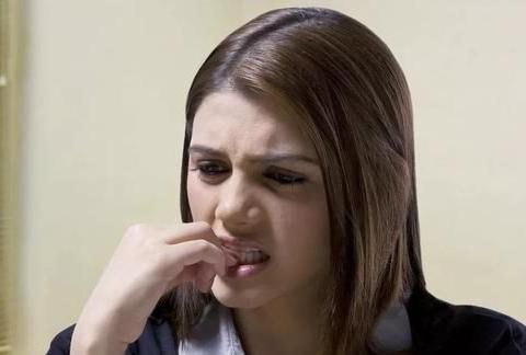经常咬指甲的人,多半与这4个本能反应有关,可惜多数人不清楚