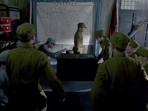 硬汉带雪豹队攻打鬼子,端掉鬼子多数个据点,打得鬼子举白旗投降