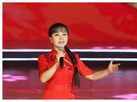 嫁经纪人后回农村,半夜抱怨带娃辛苦,王二妮到底经历了什么?
