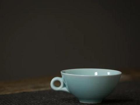 龙泉粉青枫叶茶盏   在杯中赏景,在茶席上更迭四季