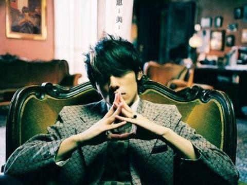 写歌最牛的4位歌手,许嵩第2,薛之谦最后,网友:第一是他服气