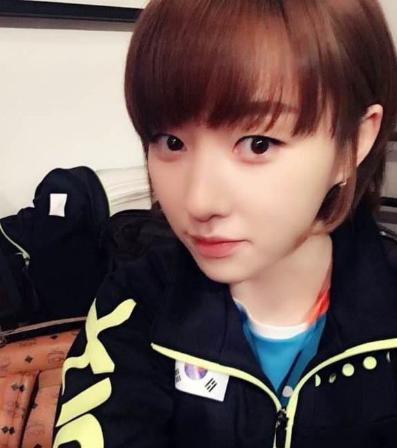 乒坛第一美女,身材娇小长相精致,曾公开示爱国乒马龙