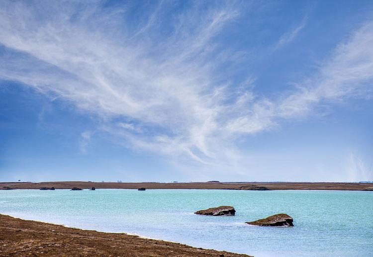 """这座内陆湖泊被誉为青海版""""马代"""",湖水湛蓝,尚未开发游客不多"""