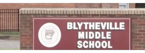 校园里的阴影——美国一名中学老师被指控诱导侵犯他13岁的学生