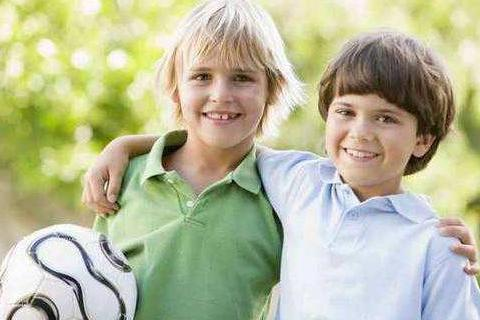 家中有男孩子,不要总是溺爱,多培养他的责任感