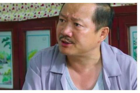 """有种""""膨胀""""叫谢广坤,与王小蒙牵手,满面笑容像""""新婚夫妻"""""""