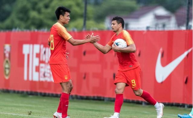 效率之王!国足8比1大胜上海双雄,31岁国脚2次替补出场狂轰3球