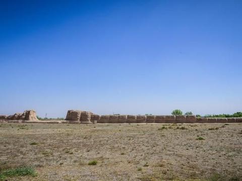 """中国现存规模最大的帝王陵园之一,被誉""""东方金字塔"""""""