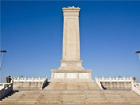 1953年,94吨的人民英雄纪念碑碑心石,从青岛运到天安门,有多难