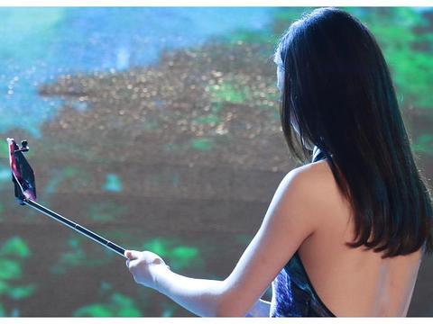 因为长得美被赵本山看中,成名后不愿再合作,如今沦为了路人!