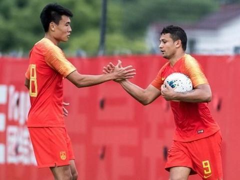 本土球员给力国足两战上海双雄打进8球 过程比结果更加重要