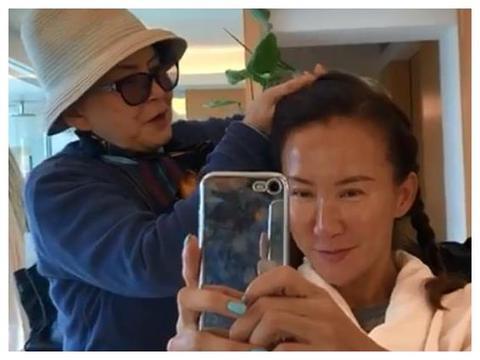 45岁李玟真实颜值遭曝光,脸部肿胀老态十足