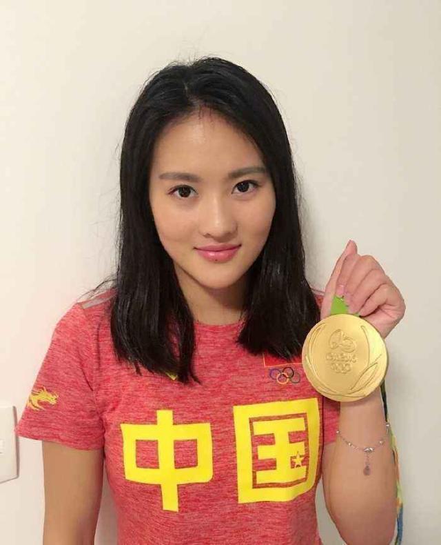 生涯夺28个世界冠军,颜值完胜郭晶晶吴敏霞,33岁却胖成大妈