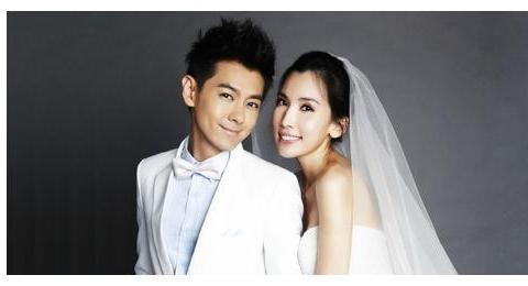 陈若仪自曝嫁给林志颖压力山大,被舆论攻击十几年,她后悔了吗?