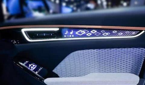 新款哈弗H6亮相,大灯酷似UNI-T,183匹马力,看来又要大火