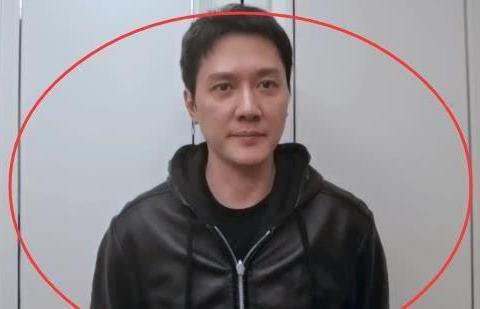 年轻时的冯绍峰有多帅?侧脸照鼻子优越好青涩,网友:惊为天人