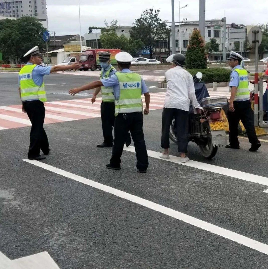 【速看】早上,澄海这个路口多名驾驶员因这事被...