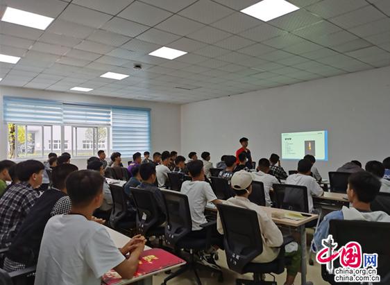创新人才培养模式,成都蒲江职校为学生开辟社会课堂